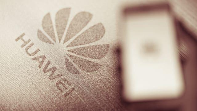 https://vidacelular.com.br/wp-content/uploads/2020/10/Huawei-pode-voltar-a-comprar-telas-da-Samsung-Display-640x360.jpg