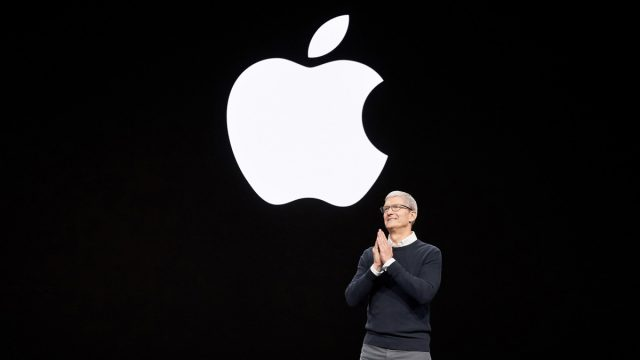 https://vidacelular.com.br/wp-content/uploads/2020/12/tim_cook_apple-640x360.jpg