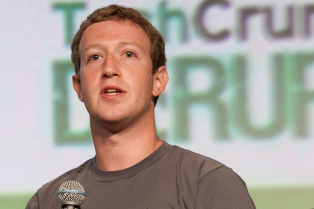 Marck Zuckerberg é frequentemente questionado pelas políticas de privacidade e lucro do Facebook. Foto: JD Lasica/Wikimedia