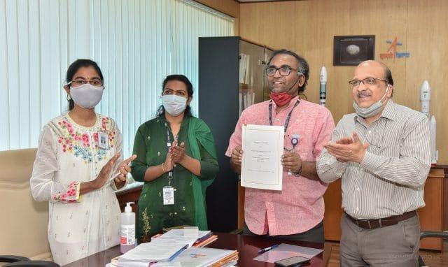 pessoas responsáveis pela ISRO e pela empresa MapmyIndia