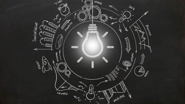 https://vidacelular.com.br/wp-content/uploads/2021/02/new-creative-idea-light-bulb-brainstorming-picture-id1226776447-1-640x360.jpg