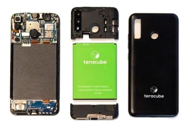 detalhe da bateria removível do Teracube 2e