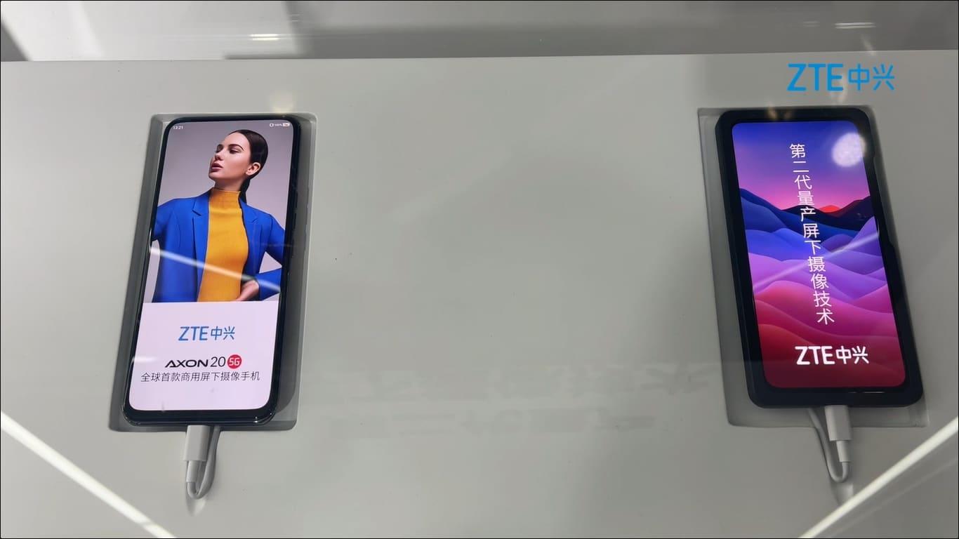 A primeira e a segunda gerações de smartphones com câmera sob a tela da ZTE, lado a lado